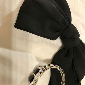 💋 NEW Adorable Bow and Bracelet Bundle